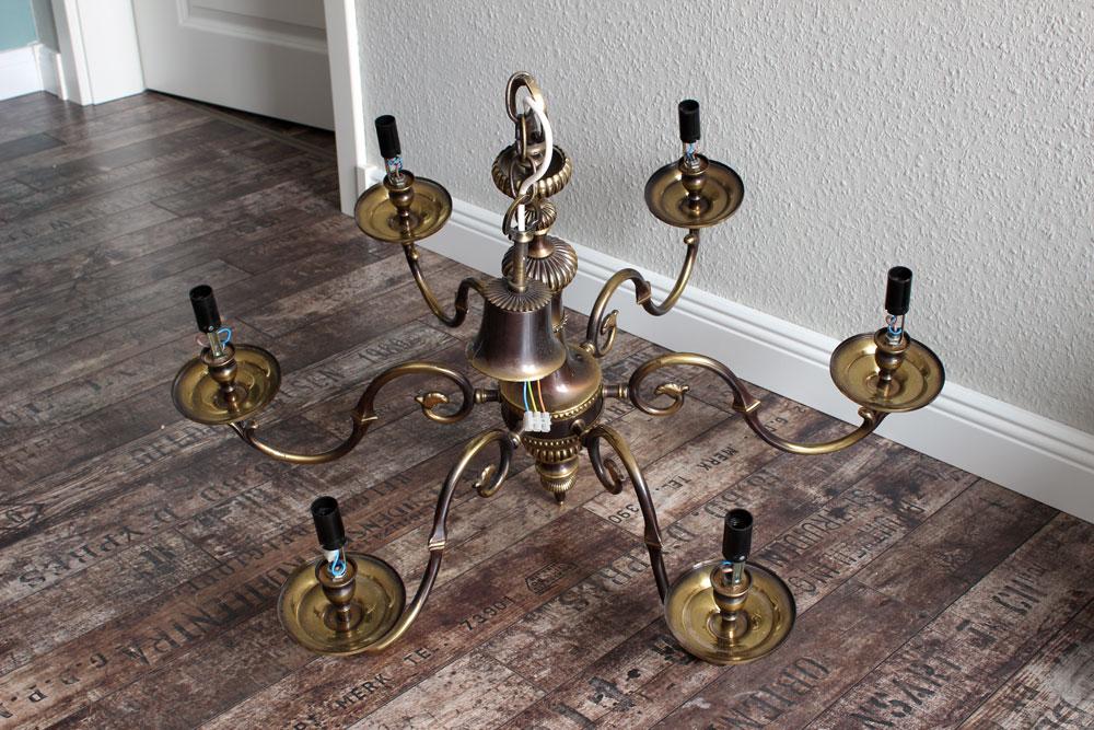 Kronleuchter Alt ~ Kronleuchter in shabby chic so überarbeitet ihr eure alte lampe