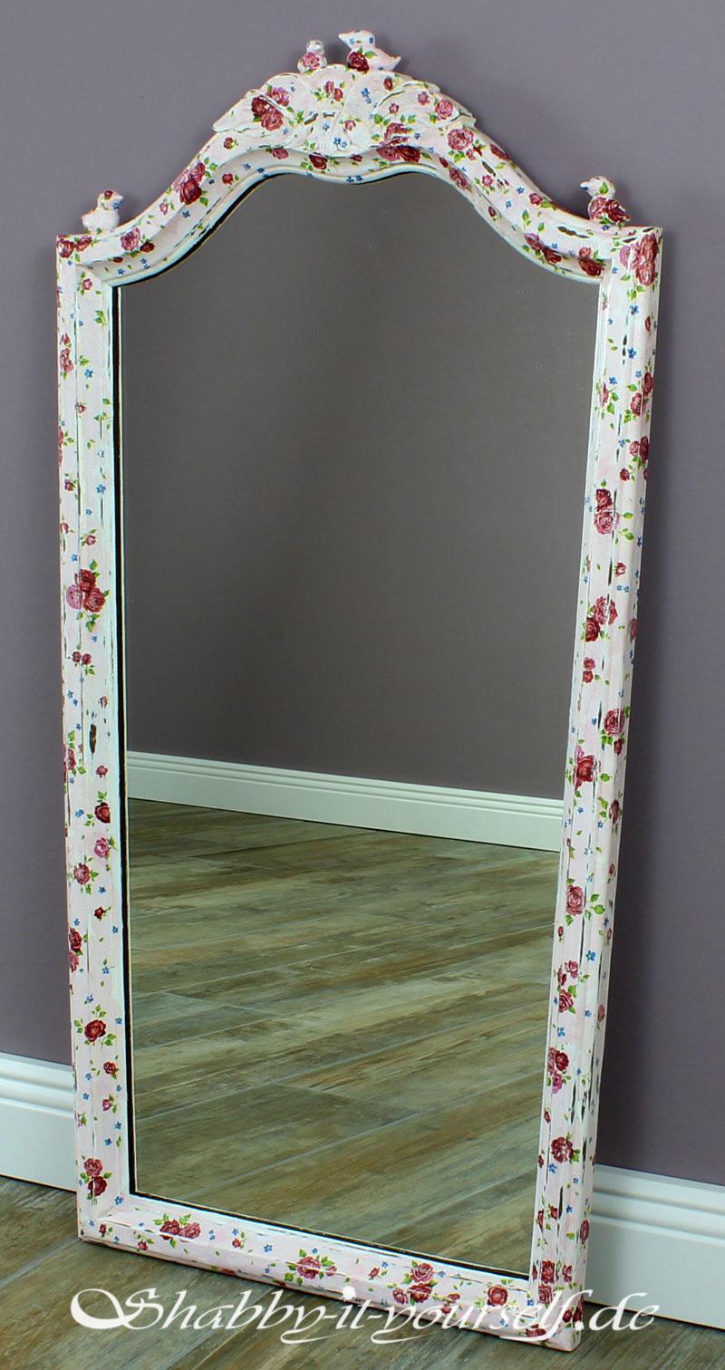 So macht Ihr einen einfachen IKEA Spiegel zum Vintage Zauberspiegel
