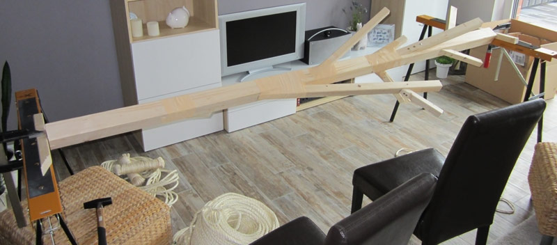 kratzbaum xxl eine tolle kratzgelegenheit f r katzen selber bauen. Black Bedroom Furniture Sets. Home Design Ideas