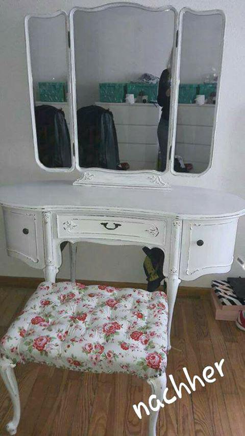 leserprojekt schminkkommode tanja 2 shabby it. Black Bedroom Furniture Sets. Home Design Ideas