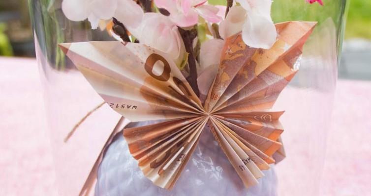 Geldgeschenk zur Hochzeit - Ihr faltet Schmetterlinge aus Geldscheinen