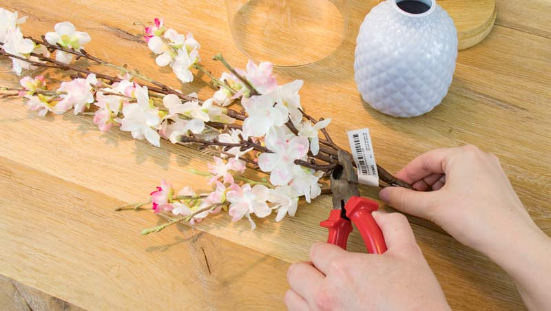 Geldgeschenk zur Hochzeit - Schneidet die Blumen zu