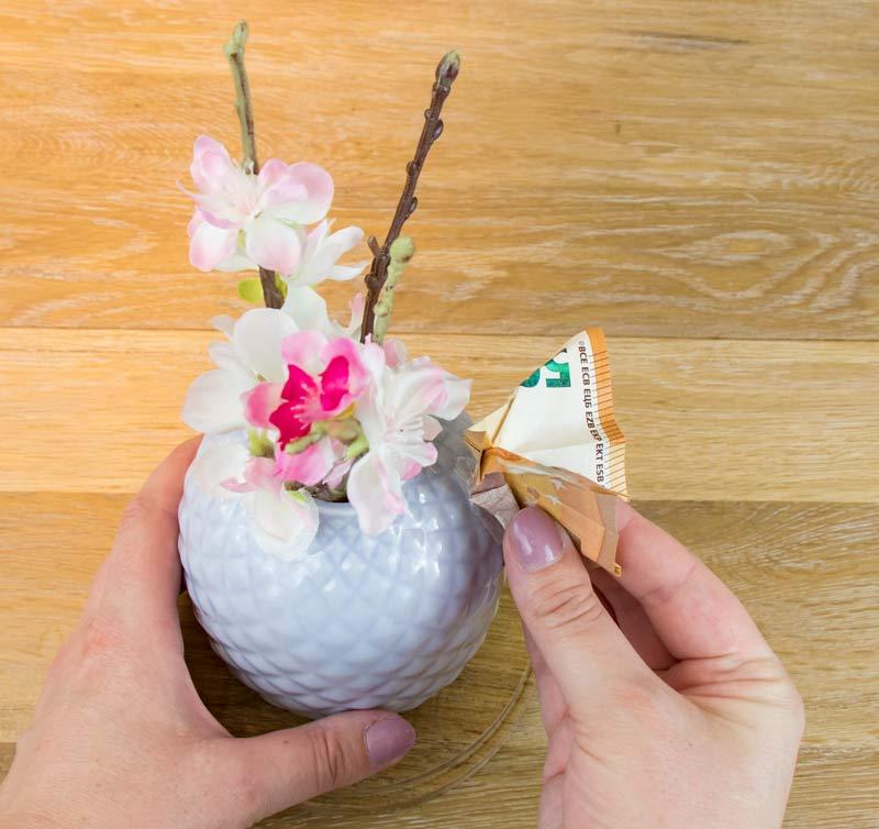 Geldgeschenk zur Hochzeit - Schmetterlin aus Gelschein