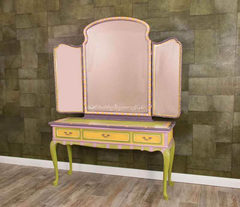 Annie Sloan Charleston Collection Spiegelkommode - Das fertige Möbelstück