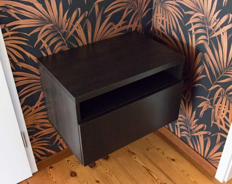 Garderobe im Flur gestalten mit Tapete - BETSA Schrank