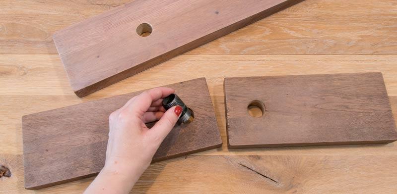 Regal aus Rohren - die Löcher sollten exakt passen