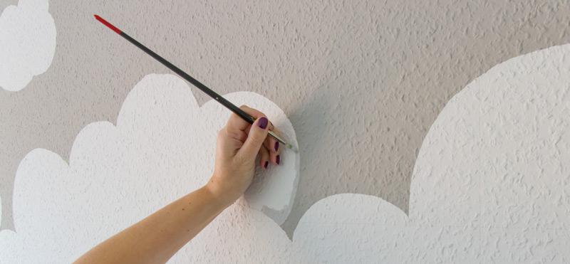 Kinderzimmer Wandbild streichen - Wolken fein ausmalen