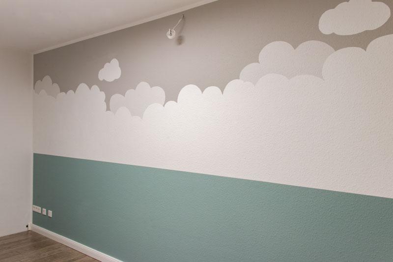 Kinderzimmer Wandbild streichen - Die fertige Wolkenwand