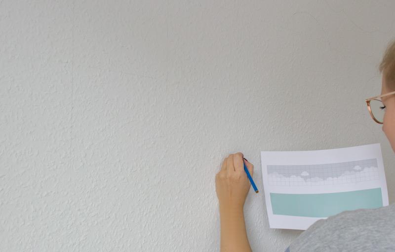 Kinderzimmer Wandbild streichen - Motiv abzeichnen