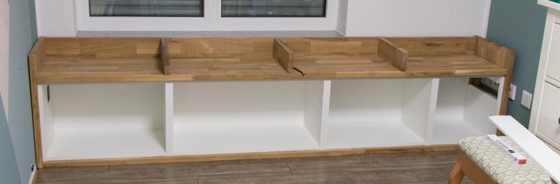 Fensterbank als Sitzbank mit Stauraum gestalten IKEA Hack - Die Bank an die Wand montieren