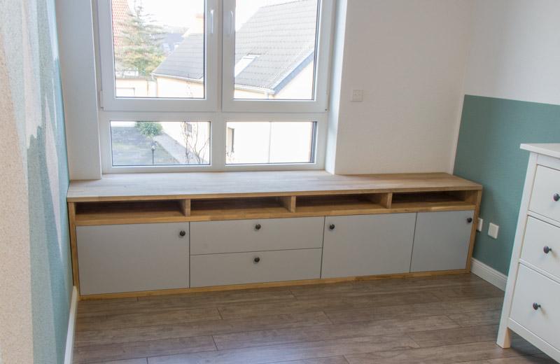 Fensterbank als Sitzbank mit Stauraum gestalten IKEA Hack - Die Schubladen und Türen einbauen