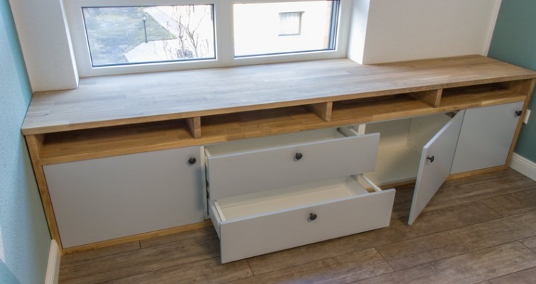 Fensterbank als Sitzbank mit Stauraum gestalten IKEA Hack - Fertig