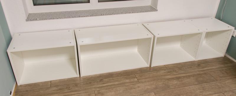 Fensterbank als Sitzbank mit Stauraum gestalten IKEA Hack - Korpusse aufbauen