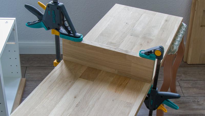 Fensterbank als Sitzbank mit Stauraum gestalten IKEA Hack - Zwischenelemente montieren