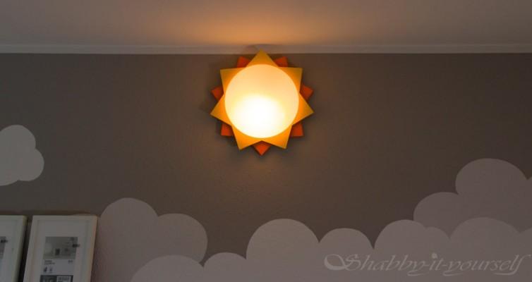 Kinderzimmer Lampe selber bauen - Die fertige Lamoe in der Dunkelheit