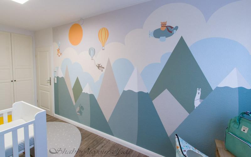 Babyzimmer Kinderzimmer Jungen - Das Wandbild mit Berglandschaft