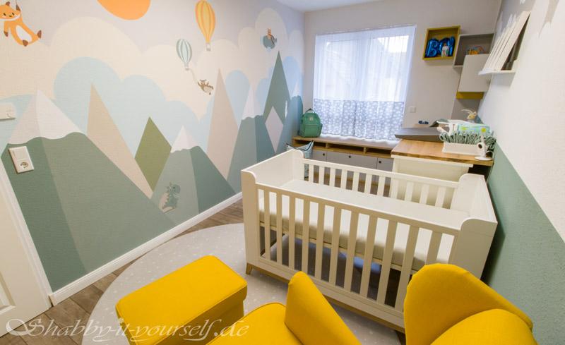 Babyzimmer Kinderzimmer Jungen - Das Wandbild bleibt frei