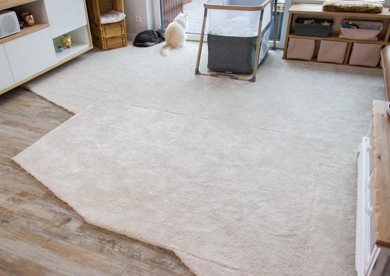 IKEA Teppich STOENSE zusammenlegen - Die einzelnen Teppiche sind noch sichtbar