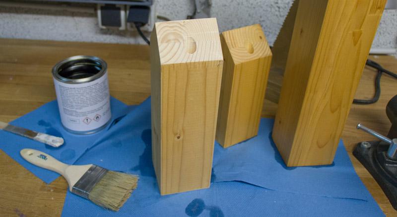 DIY Adventskranz aus Holz - Fichtenholz grundieren