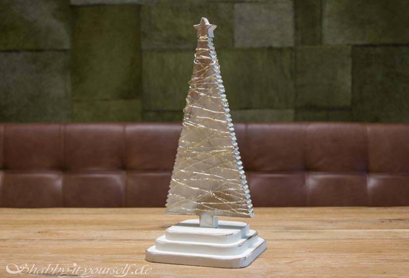 DIY Adventskranz aus Holz - Der fertige Tannenbaum