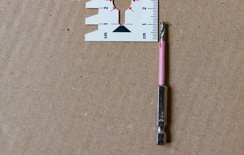 Neue Tueren an altes BILLY Regal montieren - Bohrtiefe 12mm