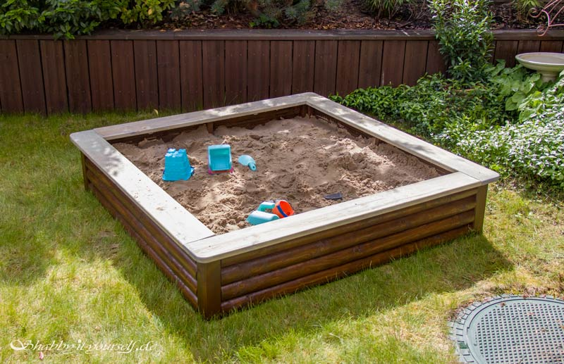 Sandkasten aus Holz Infos - Der fertige Sankasten